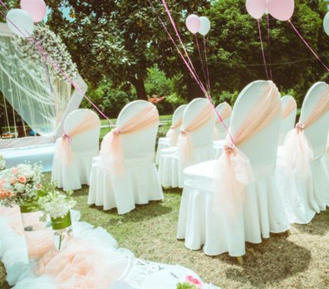 为爱加冕户外婚礼首秀!